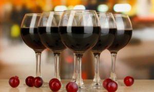 Для приготовления такого вина подойдут сорта Регент, Бако, Дружба и Кристалл