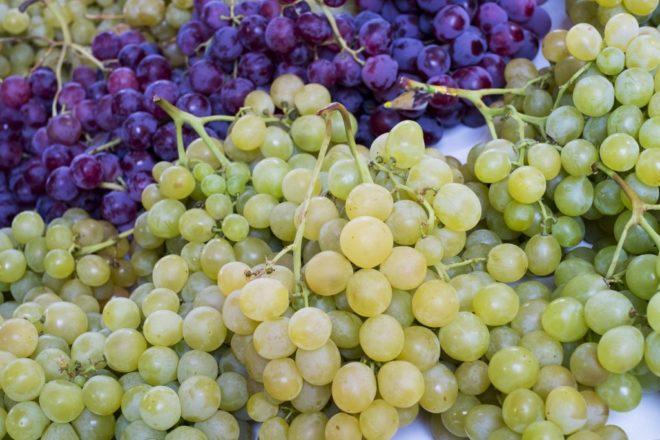 Употребление виноградин способствует выводу песка или предотвращает образование камней в почках